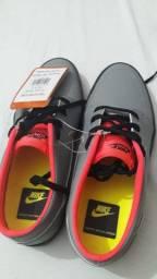 Tenis Nike N 36, novo