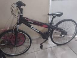 Bicicleta aro 26 toda de alumínio .só está com os pneus vazios devido o tempo parada..