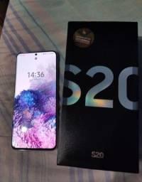 Samsung Galaxy S20 top completo