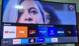 """Vendo TV smart Led 49"""" curvada semi nova"""