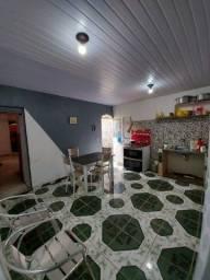Casa com 3 quartos sendo 1 suíte com uma laje 5x8, port. Alumínio