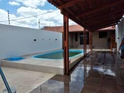 Casa para venda com 170 metros quadrados com piscina em Agamenom Magalhães - Caruaru - PE