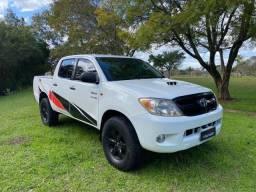 Hilux Srv 3.0 turbo diesel 4x4 cambio manual pneus novos em perfeito estado bx kilom