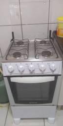 Vende-se fogão, máquina de lavar, mesa