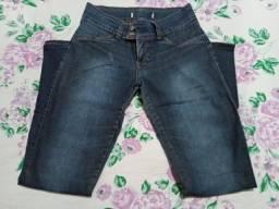 Calça Jeans com Elastano - Tamanho 38