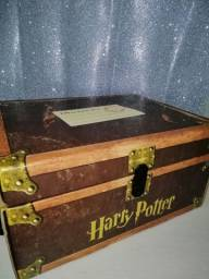 Box Livros Harry Potter 1° Edição Americana - Versão Baú - Capa Dura (Em Inglês)