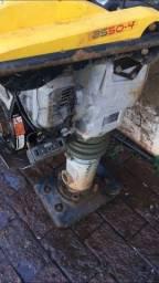 Compactador de solo com ótimo preço aceito troca