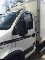Vendo caminhão Iveco ano 2013