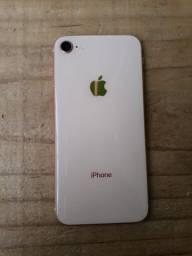 Vendo iPhone 8 usado estado novo