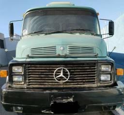 Caminhão Mercedes 1318