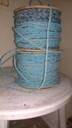 Cordas de nylon.