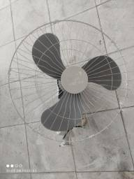 Ventilador de parede Arge Max, 60 cm de diâmetro Bivolt 200W 1400rpm R$ 350,00