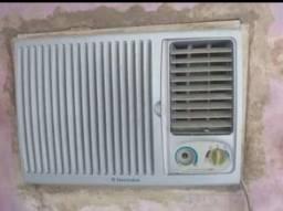 Vendo ar-condicionado sem gas