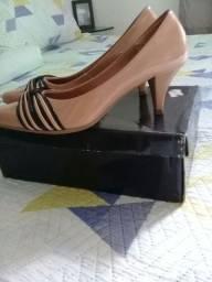 Vendo scarpin + sapatilha .