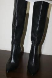 Bota da schutz cano longo novinha ! Vendo ou troco por uma bolsa de couro legitimo preta