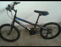 Vende-se bicicleta em ótimo estado de conservação, funcionando tudo!