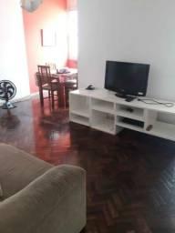 Amplo Quarto e sala mobiliado em Copacabana