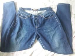 Vendo 4 calças novas jeans