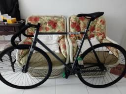 Bike fixa Cernunnos nova.