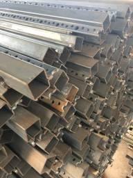 Metalon 30x30 mm galvanizado com haste