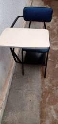 Cadeiras de sala de aula!