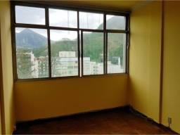 Apartamento 3 quartos com dependências no Centro de Friburgo