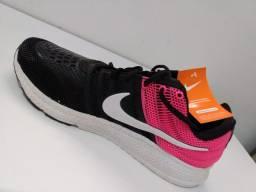 Tênis Nike. 39/40.