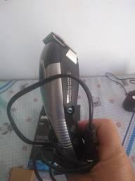 Vendo máquina de cortar cabelo Britania