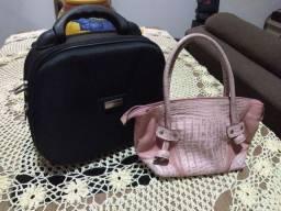 Bolsa de couro e uma frasqueira