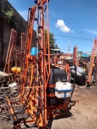 Pulverizador Agrícola e barras hidráulicas