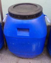 Vendo Bombonas usadas de 150 litros e 50 litros