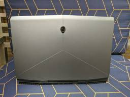 Notebook gamer Alienware m17 RTX 2070 i7.