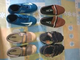 Vendo 4 pares de sapatos