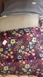 Vendo lote de roupas feminina com 160 peças
