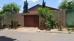 Casa para Venda em Goiânia, Jardim Marques de Abreu, 3 dormitórios, 2 suítes, 3 banheiros,