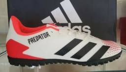 Chuteira Adidas Predator Society nova