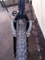 Bicicleta usada caloi aro 26. 21 marchas.