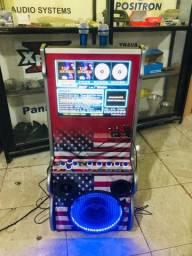 Maquina de Karaokê e músicas jukebox