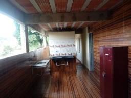 Aluga-se casa 500 reais com água e luz