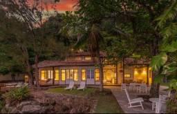 Casa para venda com 700 metros quadrados com 5 quartos