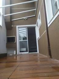;) Casa sobrado com 3 quartos em Curitiba