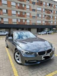 BMW 320i impecável.