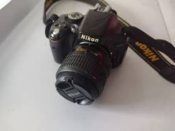 Vendo maquina fotográfica modelo Nikon D5100