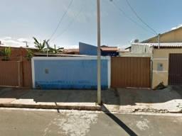 Casa com terreno de 250m² no Bairro Medalha Milagrosa em Nova Ponte/MG