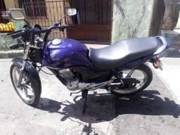 Vendo uma moto Honda 125