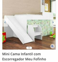 Mini cama infantil com escorregador