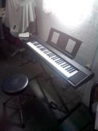 Piano Yamaha Piaggero Np12