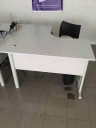 Mesa Escritório 1,20 x 1,20 + Gaveteiro
