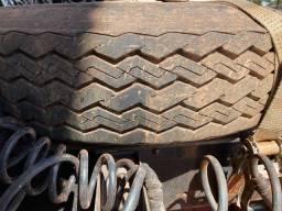 Vendo pneu com 1000x20