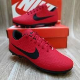 Chuteira Nike Campo